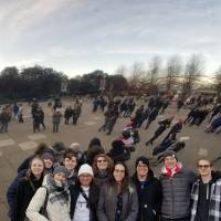 Language students in front of the bean sculpture in Millennium Park in Chicago